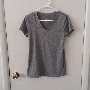 EUC Reebok Gray V Neck Short Sleeve Tee